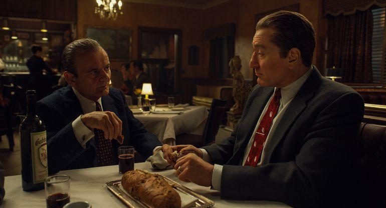 """Joe Pesci como Russell Bufalino y Robert De Niro como Frank Sheeran en """"El irlandés""""."""