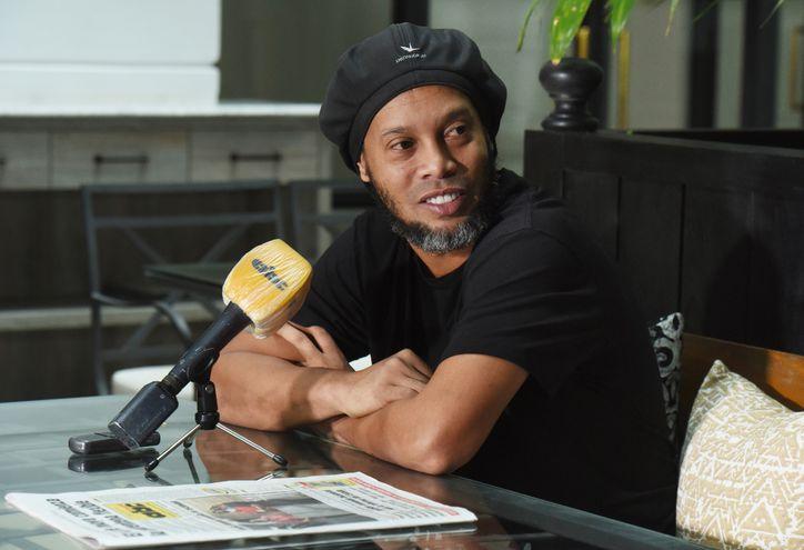 Ronaldo de Assis Moreira, Ronaldinho Gaúcho, relata a ABC Color la situación que le toca vivir en nuestro país.