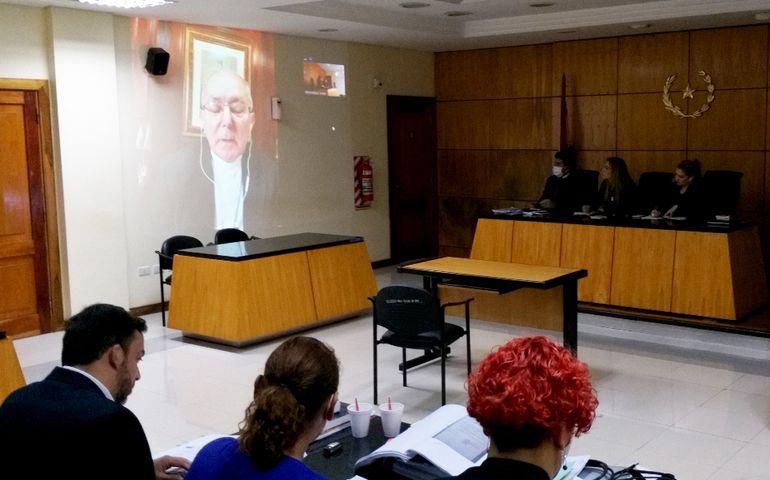 Monseñor Edmundo Valenzuela prestó declaración testifical vía telemática. Defendió al cura Silvestre Olmedo.