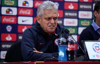 Reinaldo Rueda dejó de ser el entrenador de la selección de Chile