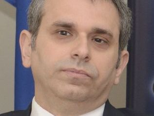 Dr. Cristian Kriskovich.