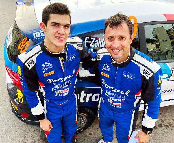 Fabrizio Zaldívar y su navegante, el argentino Fernando Mussano, con quien corre el Campeonato Mundial Júnior.