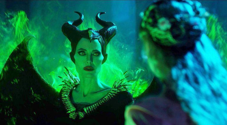 """Angelina Jolie vuelve a encarnar a Maléfica en la película que se estrenó esta semana en todo el mundo. Elle Fanning retorna también como la Princesa Aurora, en esta nueva relectura del cuento clásico de """"La bella durmiente"""", producida por Disney."""