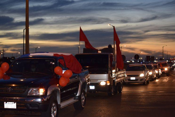 Caravana de colorados, en favor del Gobierno de Mario Abdo Benitez.