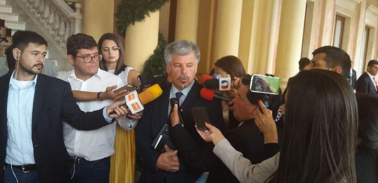 Arnaldo Giuzzio, ministro de la Senad.