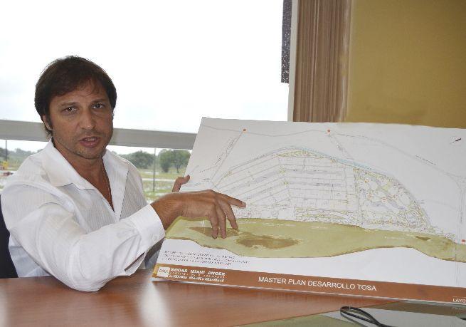 Conrado Hoeckle, propietario de TOSA, exasesor y amigo de Mario Abdo Benítez.