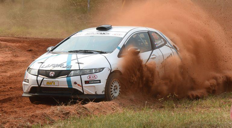 Sebastián Lafarja y Alberto Andrada fueron los vencedores ayer del Súper Prime en el autódromo, tanto en la General tracción simple como en la Clase RC3.