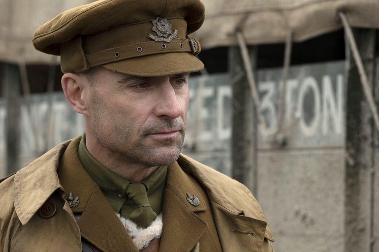 """Mark Strong es el capitán Smith, en la película bélica """"1917""""."""