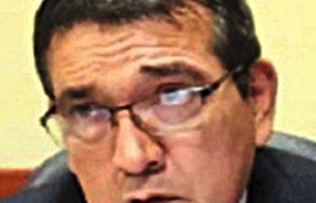 El senador Pedro Santa Cruz (PDP) visitó Mayor Otaño y trajo denuncias contra el intendente cartista Pedro Chávez.