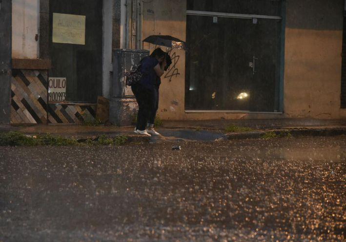 Anuncian lluvias y tormentas para la zona norte del país.