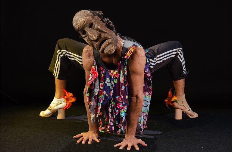 "Unipersonal de danza inspirado en fiesta del  ""Kamba Ra'anga"""