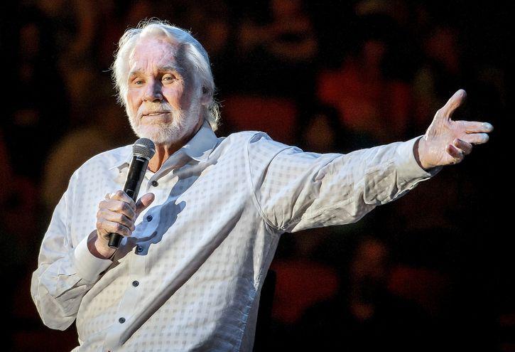 Rogers durante uno de los conciertos de su gira de despedida, en 2017, celebrado en  Austin, Texas. (AFP)