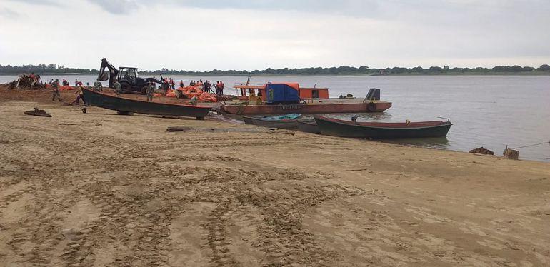 Limpieza de las costas del río Paraguay