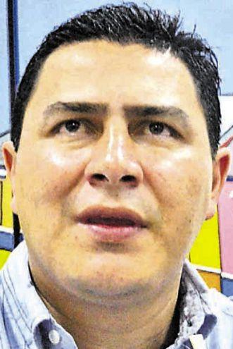 Carlos Echeverría (colorado cartista), intendente.