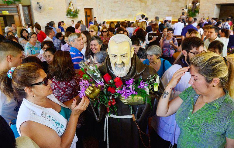 Imagen de la Pío de Pietrelcina que es venerada en la capilla conventual de los Hermanos Capuchinos ubicada en el barrio Trinidad. Se fiesta litúrgica es el 23 de setiembre.