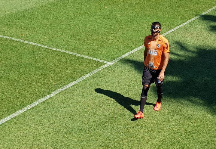 El paraguayo Ramón Martínez López (23), del Mineiro, continúa con su proceso de recuperación de la fractura de tabique nasal sufrida el pasado 23 de setiembre.