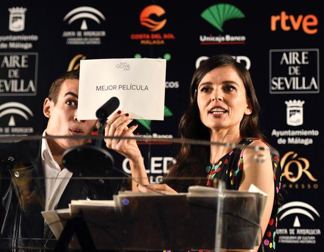 Los actores Miguel Herrán y Elena Anaya presentaron hoy la lista de finalistas de cara a la celebración de la 34 edición de los Premios Goya, cuya gala se celebrará el próximo 25 de enero en Málaga.