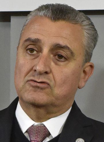 El ministro del Interior, Juan E. Villamayor, había manifestado no estar en el lugar donde quisiera, pero luego se desdijo.