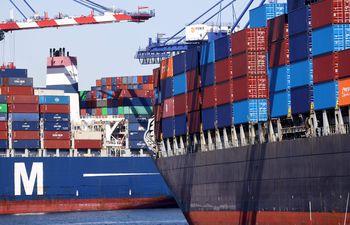 """Latinoamérica puede """"tardar muchos años"""" en superar golpe del covid-19, advierte el FMI. Además, alerta que  las interrupciones de la cadena de suministro y los incrementos globales de los precios de los bienes, impulsarían al alza los precios al consumidor."""