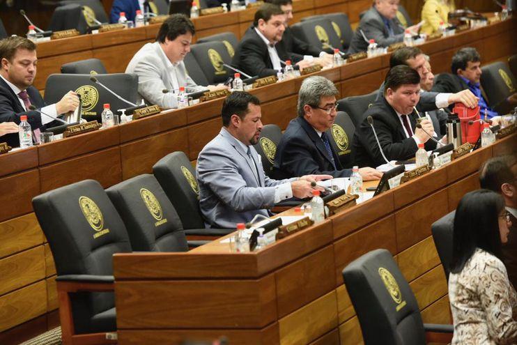 Ulises Quintana se incorporó hoy en la Cámara de Diputados.