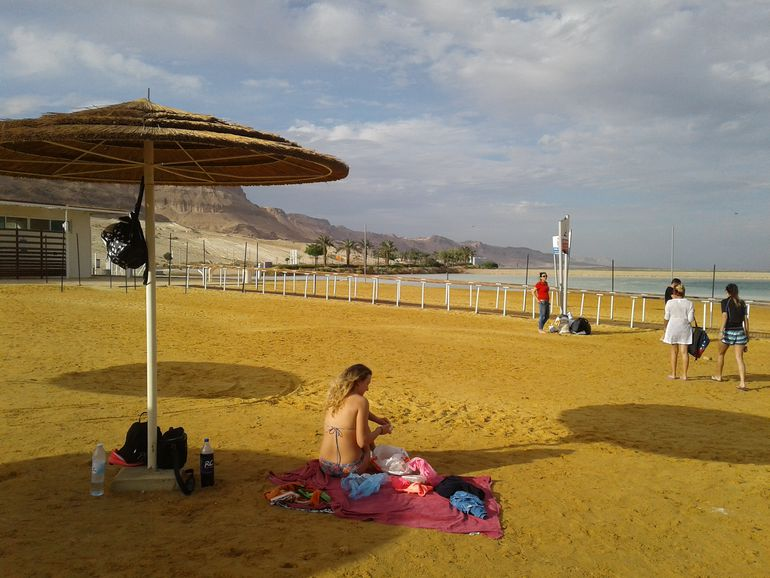 Playa en el Mar Muerto, Israel.
