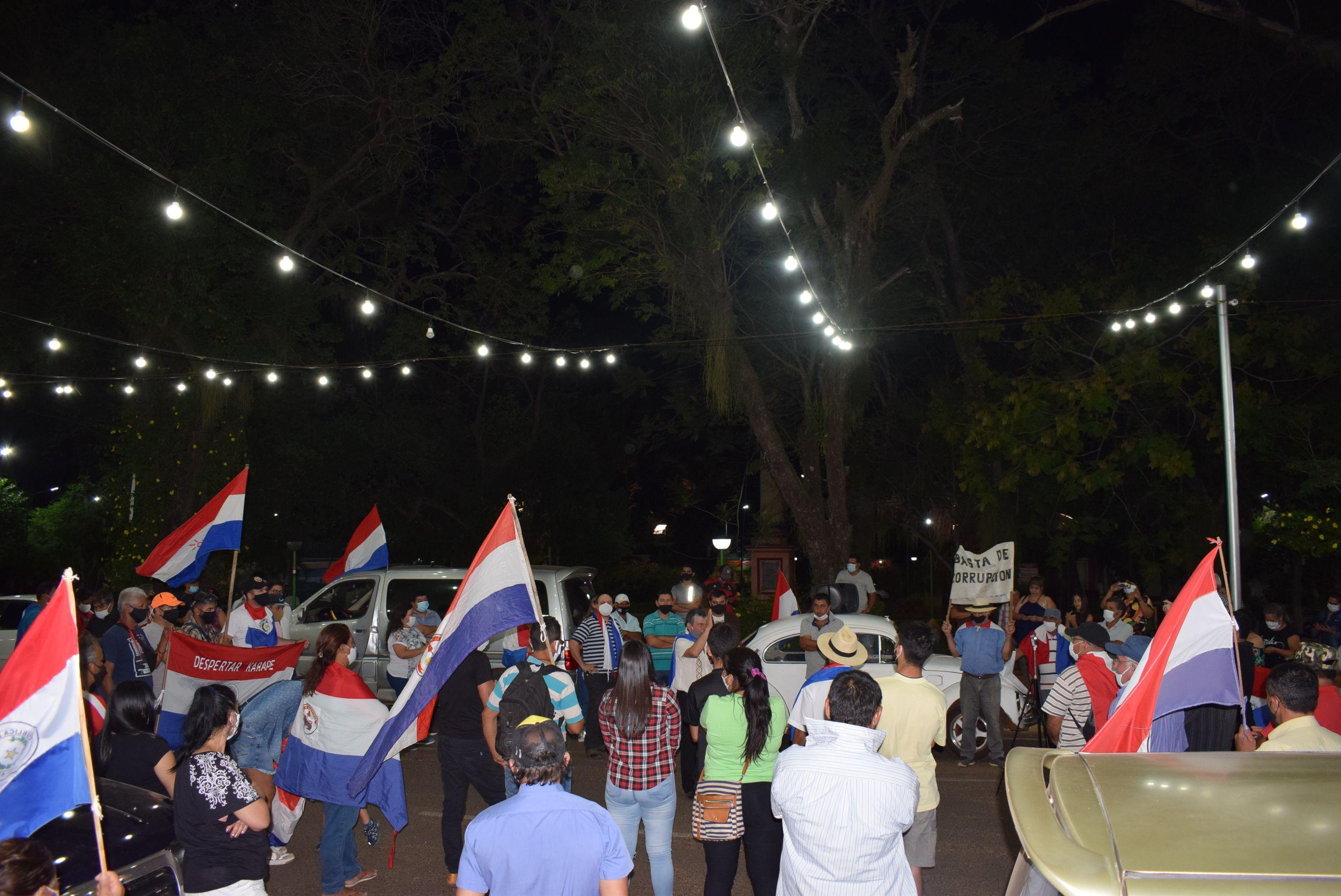 La concentración se realizó en la Plaza Gral.Eduvigis Díaz luego marcharon por ruta I.
