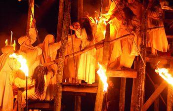 fuegos-de-fe-152308000000-1826341.jpg