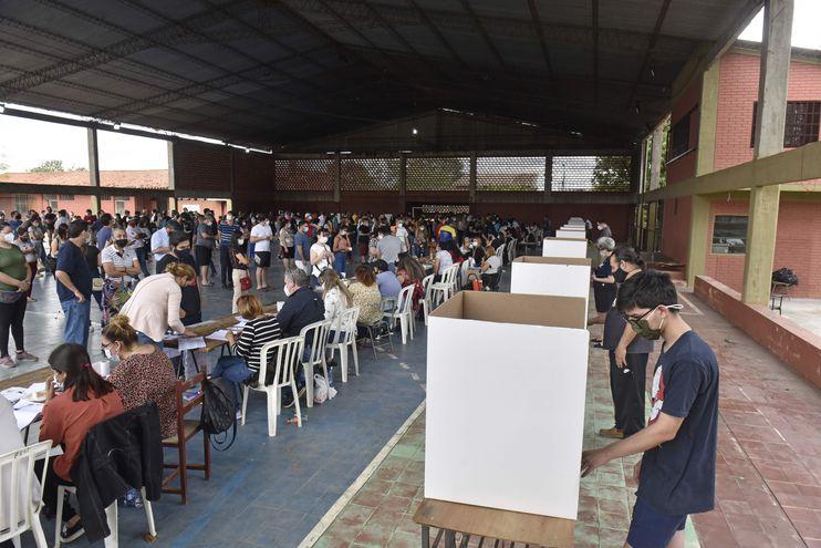 Imagen de las elecciones municipales en el Colegio Naciones Unidas.