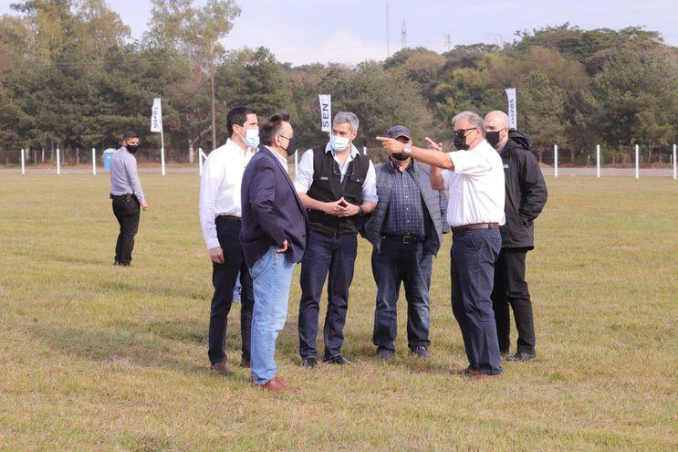 Mario Abdo Benítez junto a demás autoridades nacionales y de los Estados Unidos.