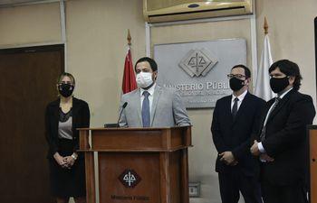 Conferencia de prensa de los fiscales anticorrupción.