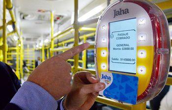 El nuevo método de pago por el servicio de transporte público se pondrá en marcha oficialmente este miércoles 23 de octubre y las tarjetas ya se encuentran a la venta.