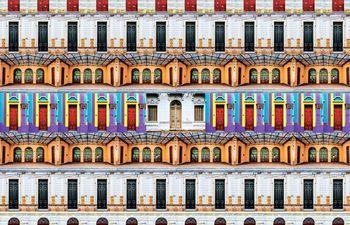"""""""Las puertas de Asunción"""" es la obra con la que Víctor Beckelmann participa de la feria BA Photo, destacando el color y variedad del microcentro."""