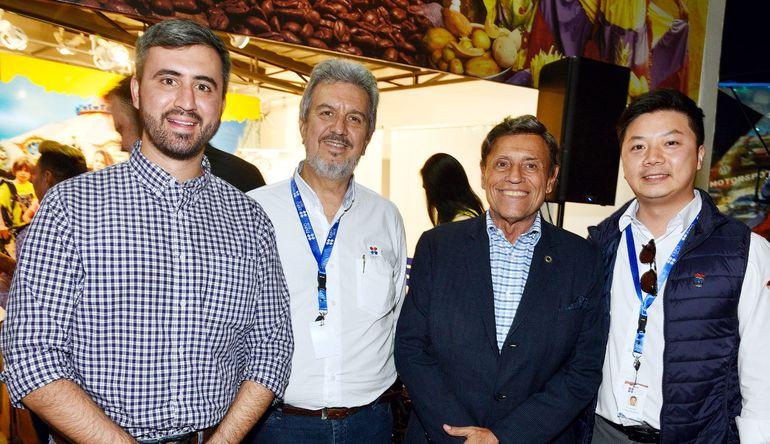 Diego Velilla, Enrique Duarte, Eduardo Felippo y Jimmy Kim.