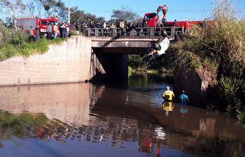 Tres personas fallecieron durante el percance, en tanto que una sobrevivió.