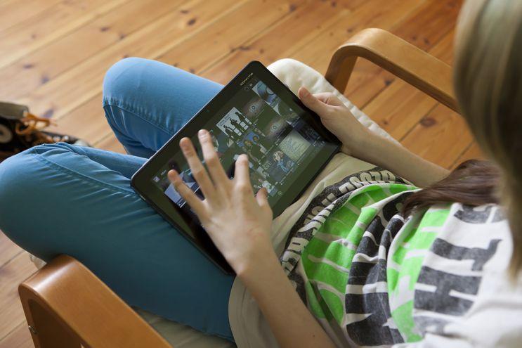 El acceso a internet por parte de los niños y adolescentes se multiplicó en esta pandemia.