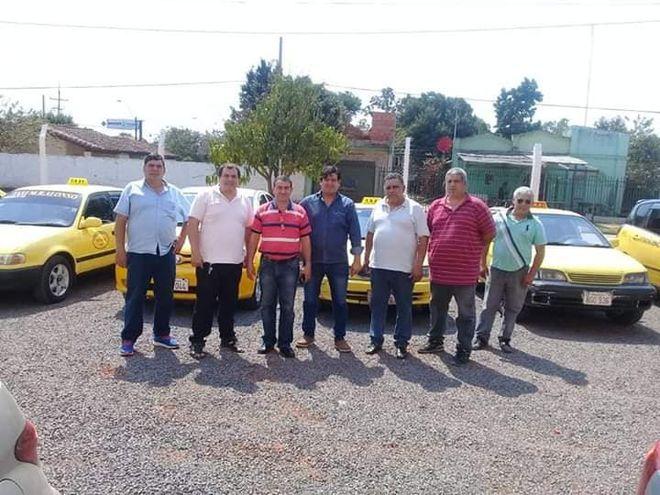 Los taxistas de la Parada 25 de Mariano Roque Alonso.