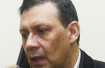 El condenado exsenador Víctor Bogado (ANR, cartista) está en España y existe un pedido para que se ordene su detención.