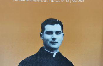 Portada de la revista editada en homenaje al primer obispo de Misiones y Ñeembucú, monseñor Ramón Bogarín Argaña.