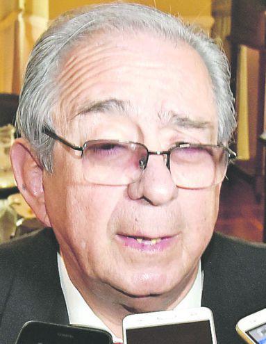 Raúl Torres Kirmser, cuestionado exministro de la Corte Suprema de Justicia, sigue contando con custodia policial.
