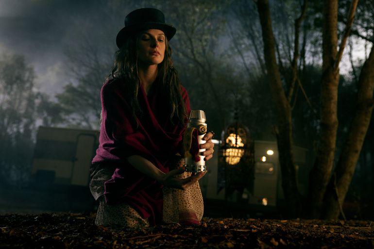 Rebecca Ferguson como Rose.