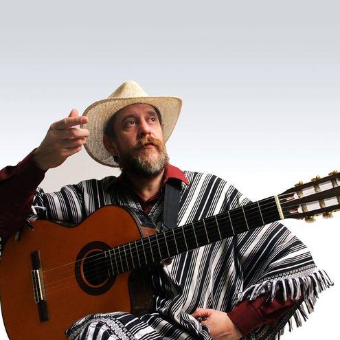 """El cantante Francisco Russo, conocido como """"el juglar del heroísmo paraguayo"""", estará presente en el festival Tupi Aramboty."""