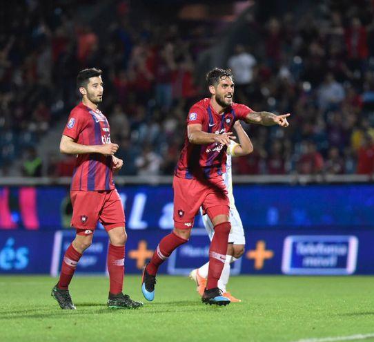 Luego de la clasificación del equipo de Futsal FIFA de Cerro Porteño a la final de la Copa Libertadores el de fútbol de campo superó a Deportivo Capiatá en la Nueva Olla.