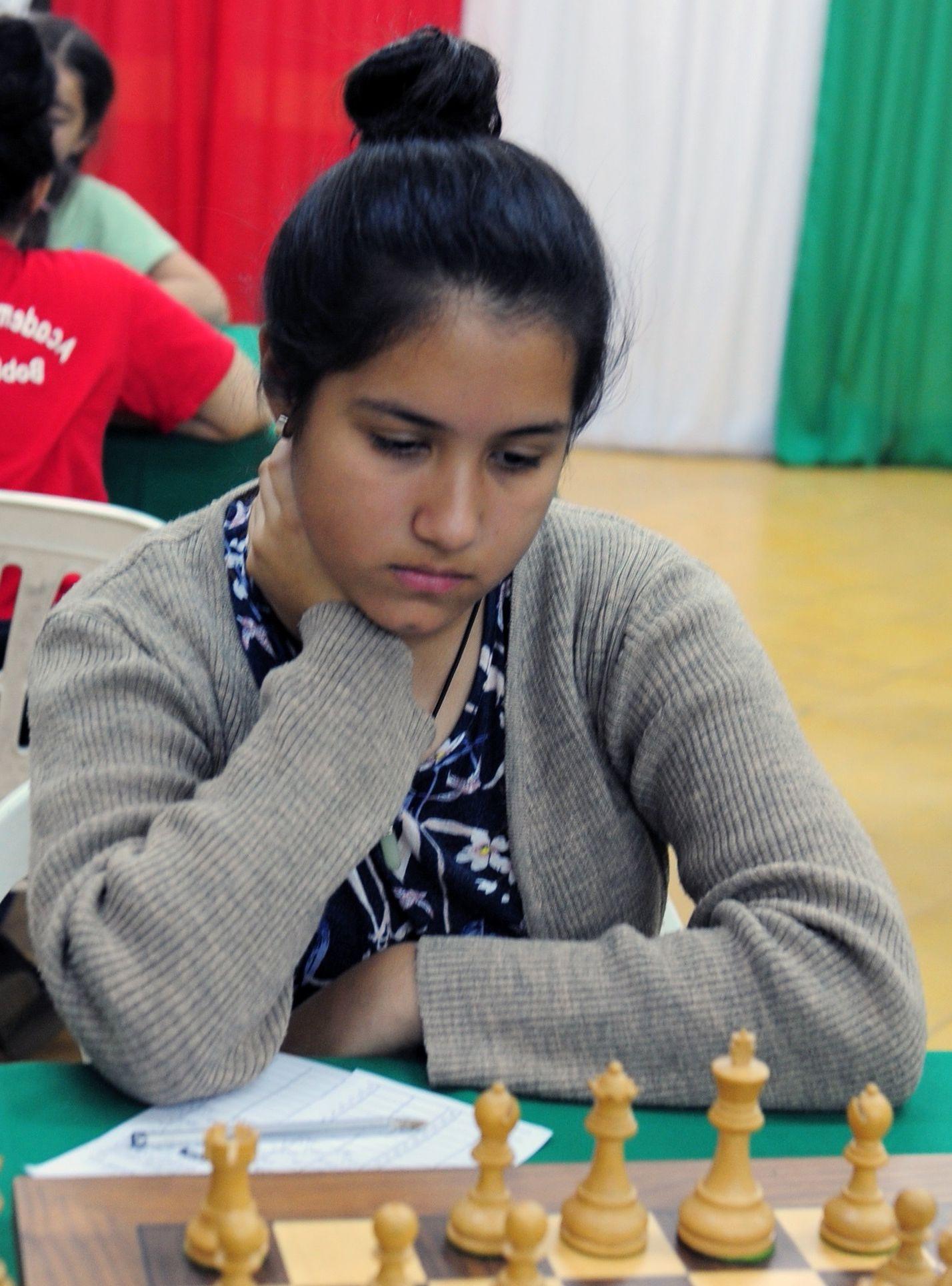Paula Oviedo encabeza según elo entre participantes femeninas.