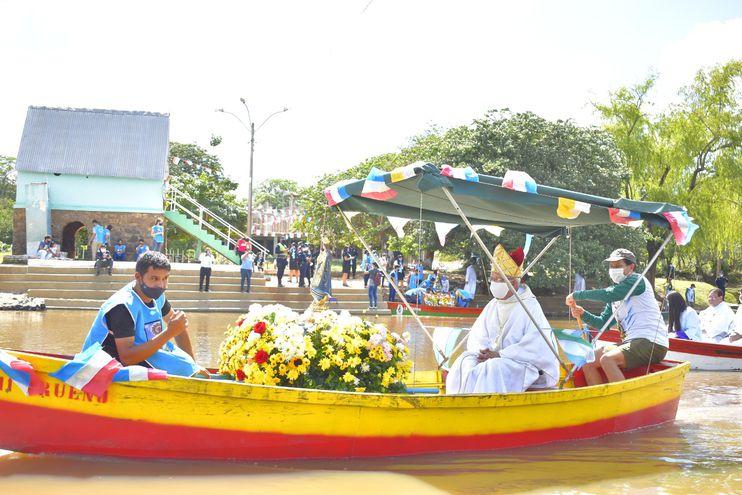 Escasa presencia de fieles católicos en Itapé.
