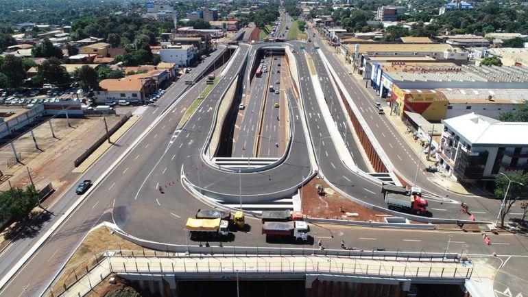 El Multiviaducto de CDE conecta las avenidas Julio César Riquelme y Perú.