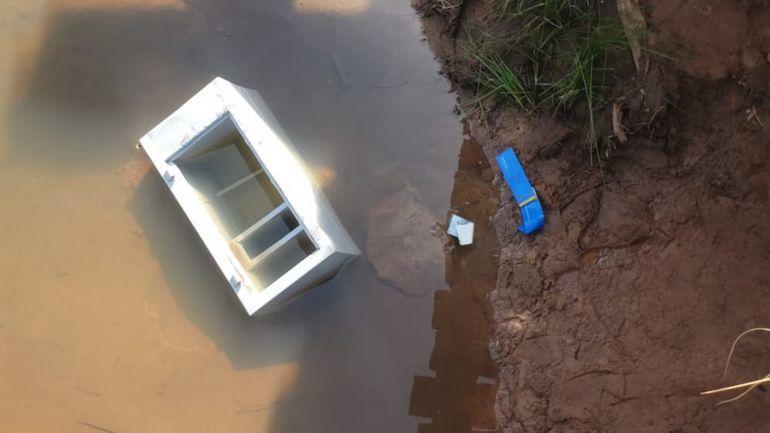 La caja fuerte fue encontrado en un arroyo.