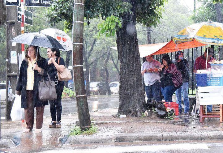 Se prevé que las precipitaciones persistan durante el día y mañana domingo.