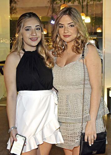 Amelia y Cecilia Guerra.