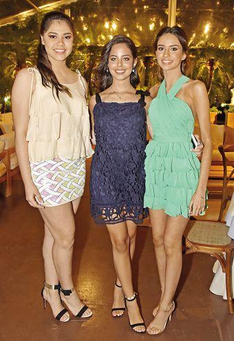 Luana Aveiro, Ana Belén Peralta y Renata López.