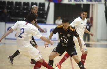 Cerro Porteño derrotó 4-1 a Olimpia en la primera final de la Liga Premium de Futsal FIFA. El juego se llevo a cabo en el SND Arena.